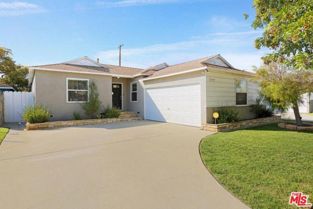 11449 Segrell Way, Culver City, CA 90230 (#18347224) :: The Fineman Suarez Team