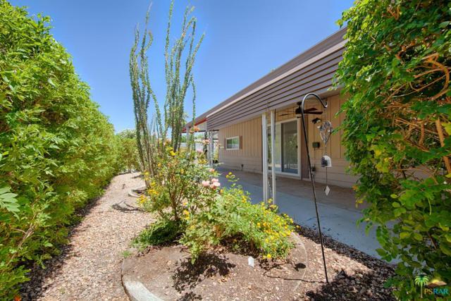 242 Newport Drive, Palm Springs, CA 92264 (#18350008PS) :: The Fineman Suarez Team