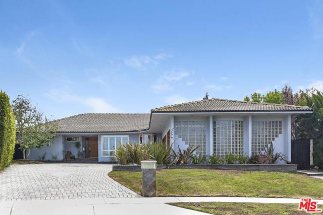 5528 W 63RD Street, Los Angeles (City), CA 90056 (#18353194) :: Fred Howard Real Estate Team