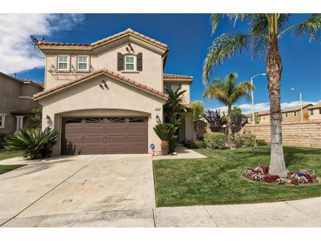 19903 Holly Drive, Saugus, CA 91350 (#SR18145263) :: Heber's Homes