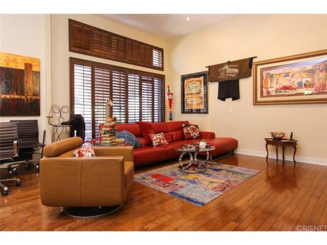 5225 White Oak Avenue #9, Encino, CA 91316 (#SR18147303) :: Golden Palm Properties