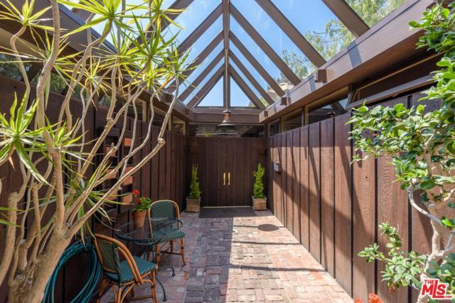 454 Entrada Drive, Santa Monica, CA 90402 (#18356858) :: Golden Palm Properties
