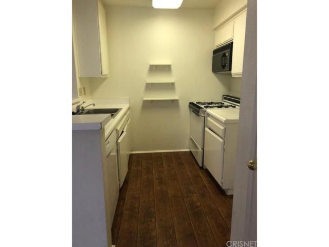 21370 Nandina Lane #204, Newhall, CA 91321 (#SR18148068) :: Paris and Connor MacIvor