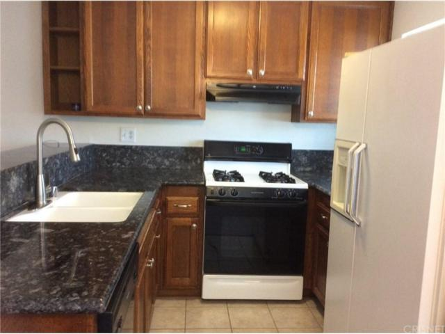 18530 Hatteras Street #112, Tarzana, CA 91356 (#SR18150398) :: Golden Palm Properties