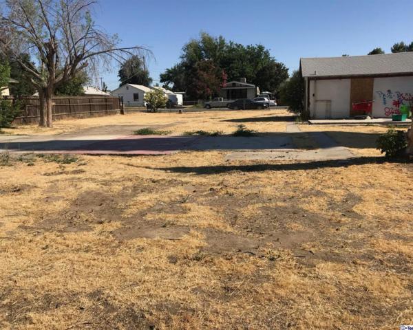 221 Woodrow Avenue, Bakersfield, CA 93308 (#318002551) :: Lydia Gable Realty Group