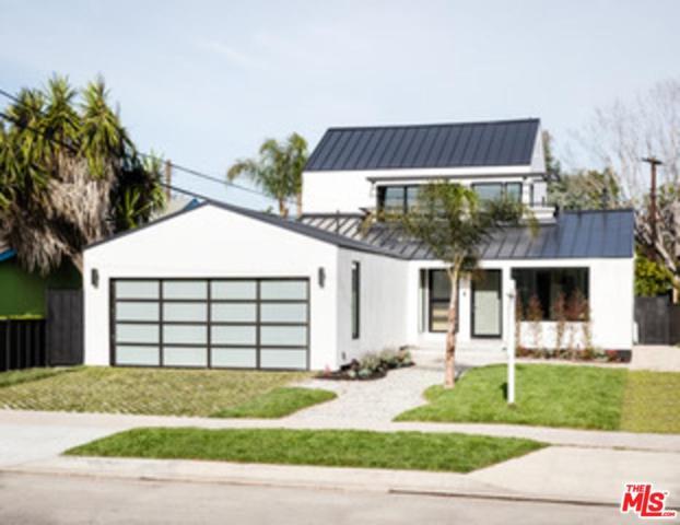 1131 Lake Street, Venice, CA 90291 (#18361092) :: The Fineman Suarez Team