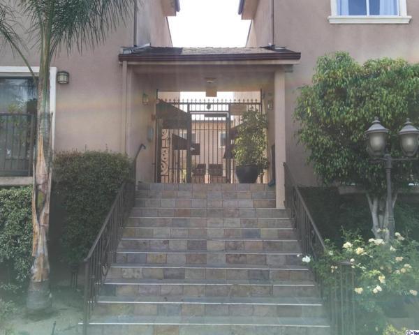 6525 Woodman Avenue #19, Van Nuys, CA 91401 (#318002724) :: The Agency