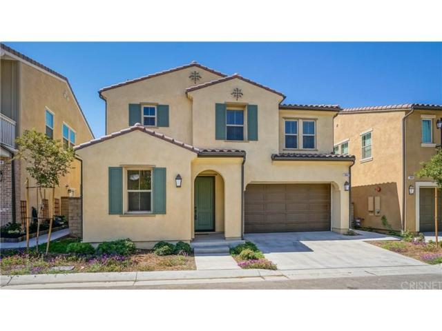 20642 Huntley Way, Saugus, CA 91350 (#SR18169821) :: Fred Howard Real Estate Team