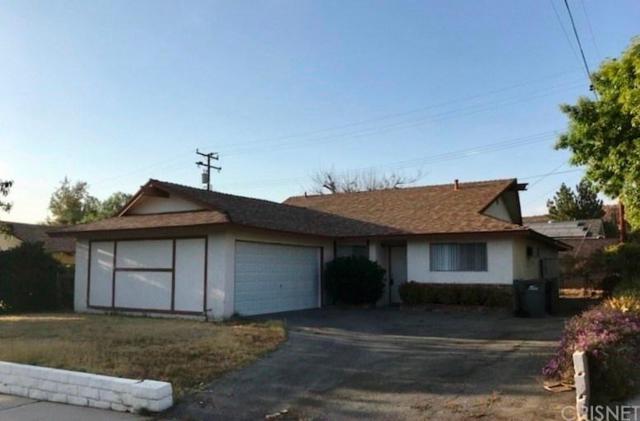 19831 Keaton Street, Canyon Country, CA 91351 (#SR18170373) :: Heber's Homes