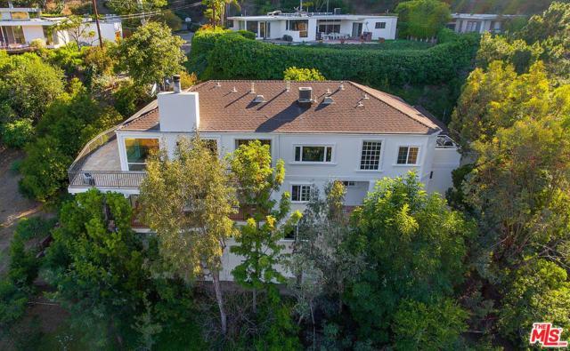 10208 Cielo Drive, Beverly Hills, CA 90210 (#18365620) :: The Fineman Suarez Team