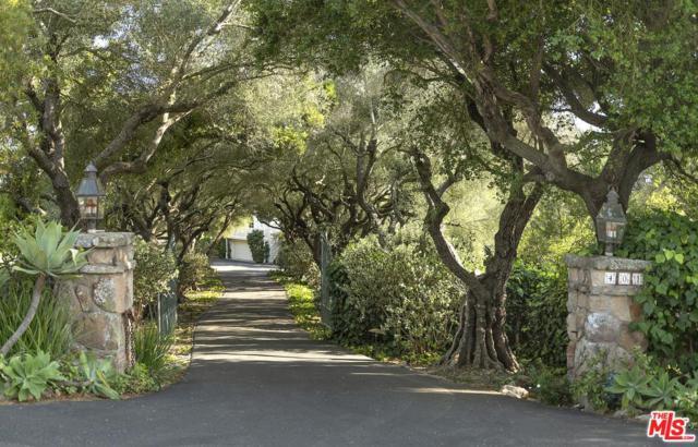 401 El Cielito Road, Santa Barbara, CA 93105 (#18366174) :: Desti & Michele of RE/MAX Gold Coast
