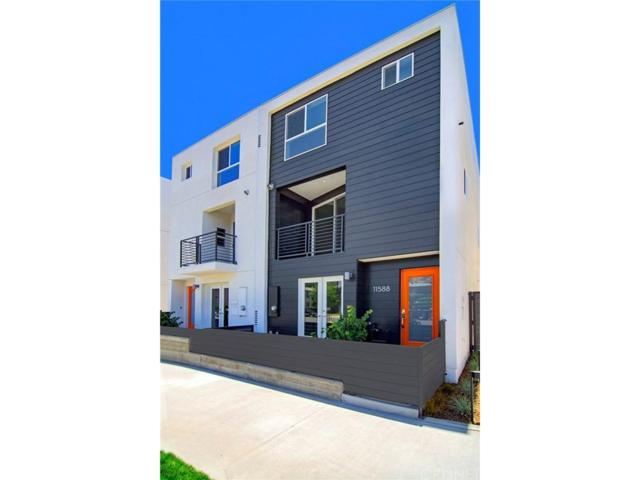 11594 Riverside Drive, Valley Village, CA 91602 (#SR18174912) :: Golden Palm Properties