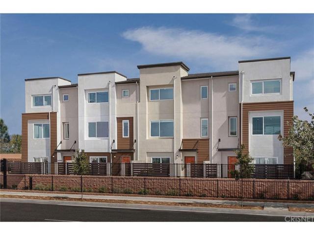 14430 Strawberry Lane, Gardena, CA 90247 (#SR18176128) :: Paris and Connor MacIvor