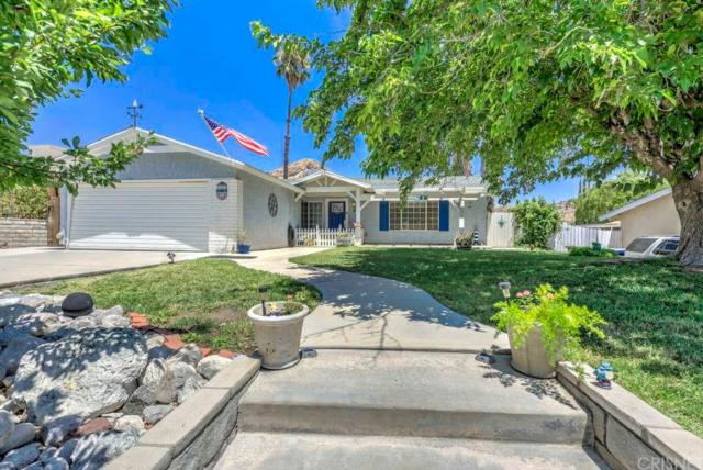 15023 Daffodil Avenue, Canyon Country, CA 91387 (#SR18180797) :: TruLine Realty