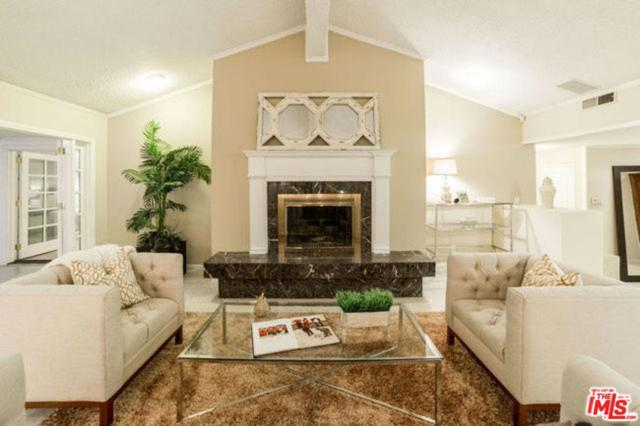 2220 Coldwater Canyon Drive, Beverly Hills, CA 90210 (#18376080) :: The Fineman Suarez Team