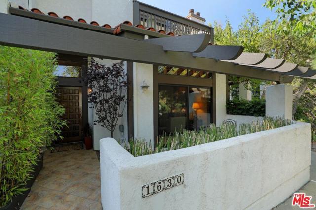1630 Michael Lane, Pacific Palisades, CA 90272 (#18375802) :: Golden Palm Properties