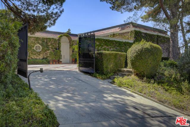 1806 Loma Vista Drive, Beverly Hills, CA 90210 (#18376228) :: DSCVR Properties - Keller Williams