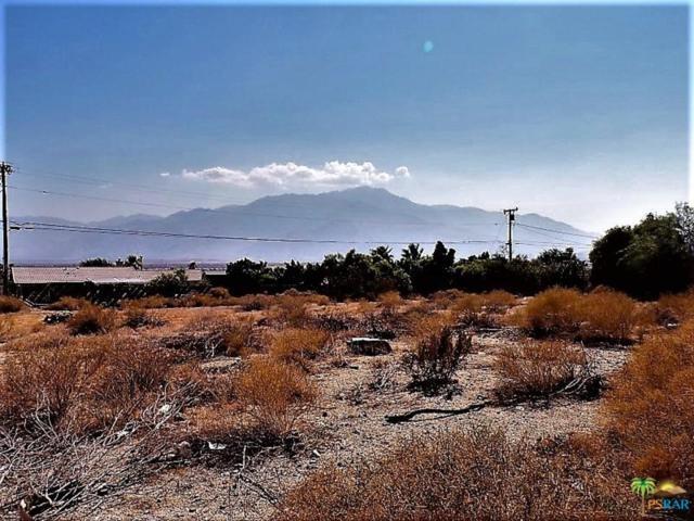 1 Crescent Drive, Desert Hot Springs, CA 92240 (#18377390PS) :: Fred Howard Real Estate Team