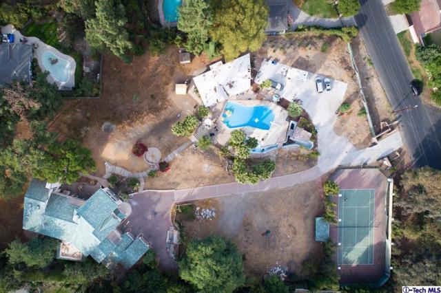 5021 Topeka Drive, Tarzana, CA 91356 (#318003340) :: Lydia Gable Realty Group