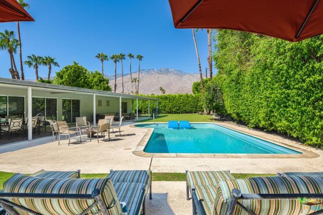 1950 E El Oro Way, Palm Springs, CA 92262 (#18383682PS) :: Lydia Gable Realty Group