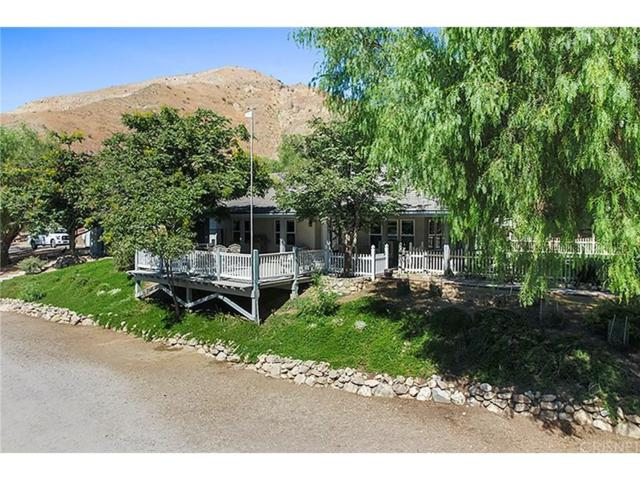 18171 Lost Creek Road, Saugus, CA 91390 (#SR18222337) :: Carie Heber Realty Group