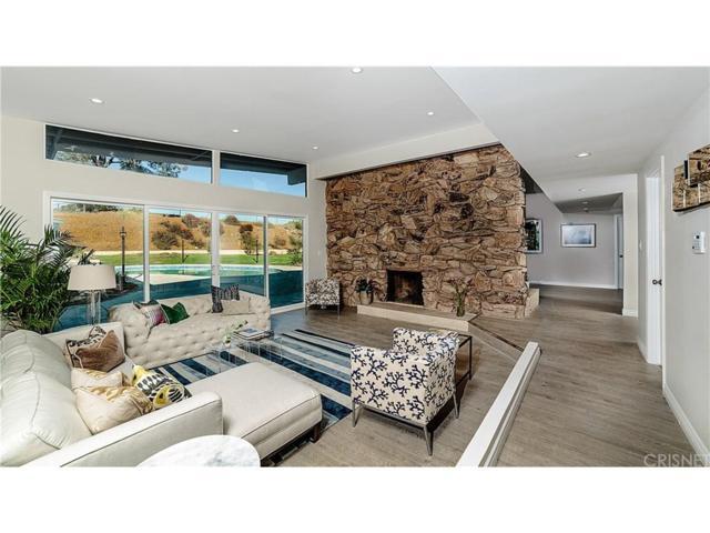 12464 Woodley Avenue, Granada Hills, CA 91344 (#SR18228655) :: Carie Heber Realty Group
