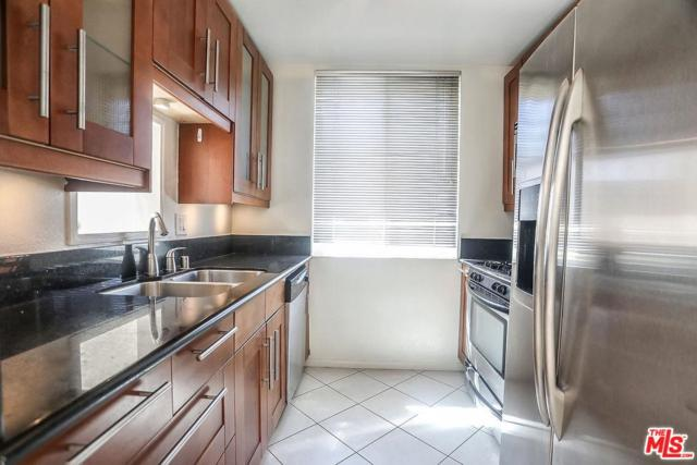 856 N Van Ness Avenue #2, Los Angeles (City), CA 90038 (#18388776) :: Fred Howard Real Estate Team