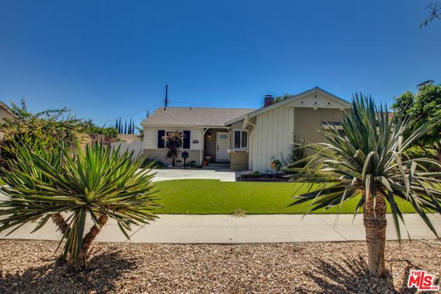 19740 Hart Street, Winnetka, CA 91306 (#18388600) :: Fred Howard Real Estate Team