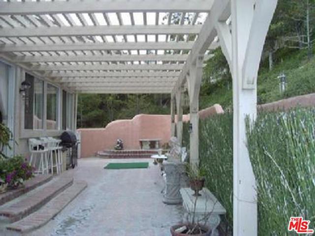 3819 Sky View Lane, Glendale, CA 91214 (#18388918) :: TruLine Realty
