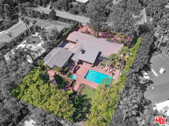 1075 Shadow Hill Way, Beverly Hills, CA 90210 (#18388948) :: The Fineman Suarez Team