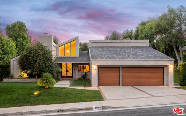 3015 Deep Canyon Drive, Beverly Hills, CA 90210 (#18388568) :: The Fineman Suarez Team