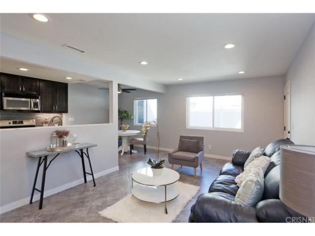28021 Robin Avenue, Saugus, CA 91350 (#SR18242288) :: Paris and Connor MacIvor