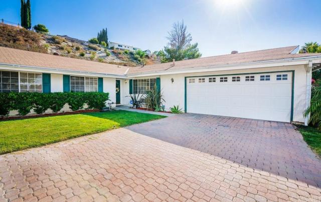 19220 Maplebay Court, Newhall, CA 91321 (#SR18243301) :: Carie Heber Realty Group