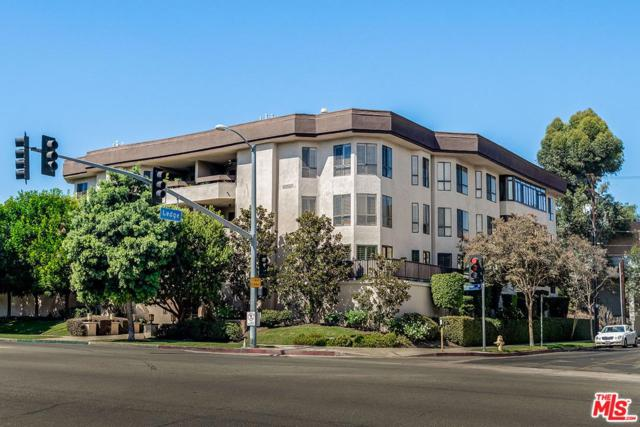 10409 Riverside Drive #204, Toluca Lake, CA 91602 (#18394658) :: Golden Palm Properties
