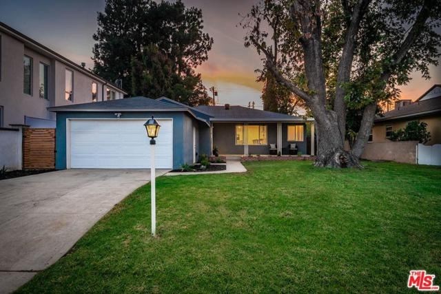 4831 Ledge Avenue, Toluca Lake, CA 91601 (#18394466) :: Golden Palm Properties
