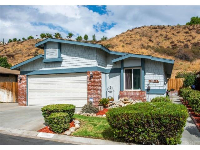 32018 Quartz Lane, Castaic, CA 91384 (#SR18241291) :: Carie Heber Realty Group