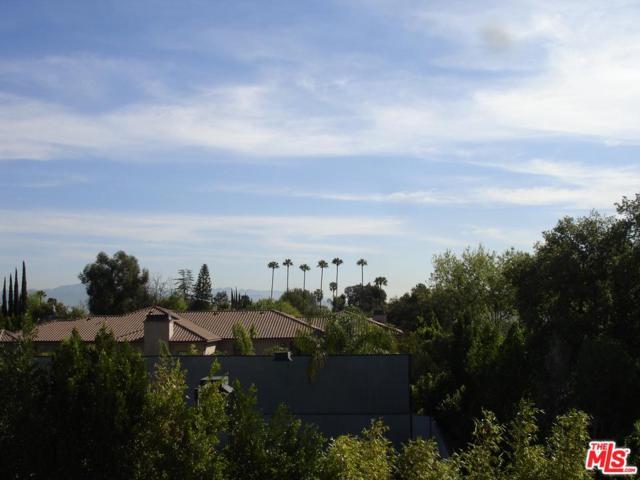 5460 White Oak Avenue F307, Encino, CA 91316 (#18396806) :: Golden Palm Properties