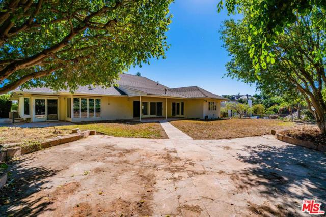 1101 Marilyn Drive, Beverly Hills, CA 90210 (#18397728) :: Paris and Connor MacIvor