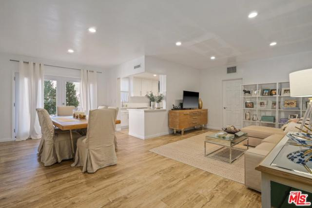 8550 Holloway Drive #102, West Hollywood, CA 90069 (#18397302) :: Golden Palm Properties