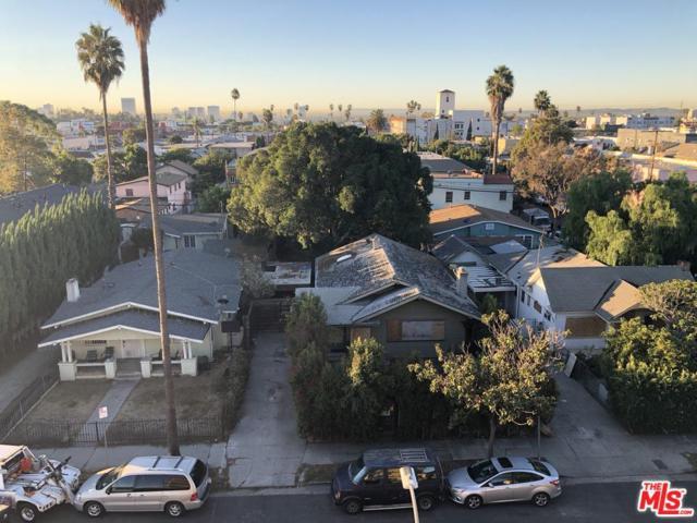 5542 La Mirada Avenue, Los Angeles (City), CA 90038 (#18397960) :: Paris and Connor MacIvor