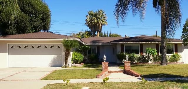 8060 Royer Avenue, West Hills, CA 91304 (#SR18253711) :: Paris and Connor MacIvor