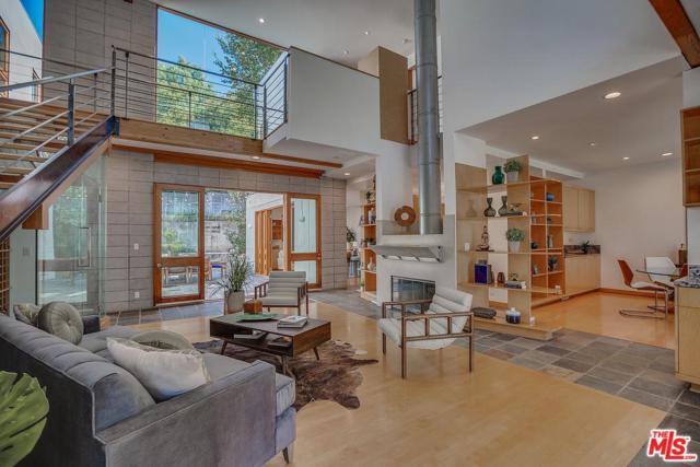 4070 Benedict Canyon Drive, Sherman Oaks, CA 91423 (#18398500) :: Paris and Connor MacIvor