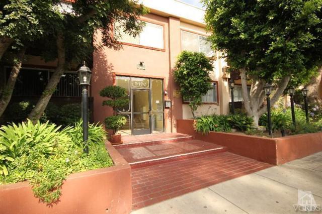 5400 Newcastle Avenue #37, Encino, CA 91316 (#218013213) :: Paris and Connor MacIvor
