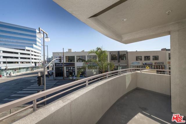 267 S San Pedro Street #125, Los Angeles (City), CA 90012 (#18399200) :: Golden Palm Properties