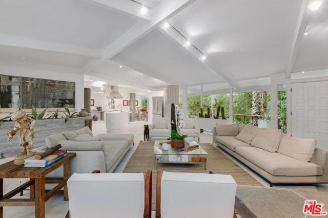 3027 Franklin Canyon Drive, Beverly Hills, CA 90210 (#18399350) :: Paris and Connor MacIvor