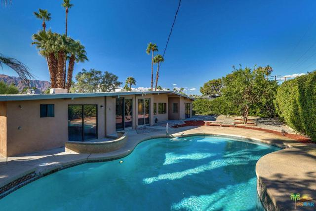 286 N Sunset Way, Palm Springs, CA 92262 (#18399836PS) :: Fred Howard Real Estate Team