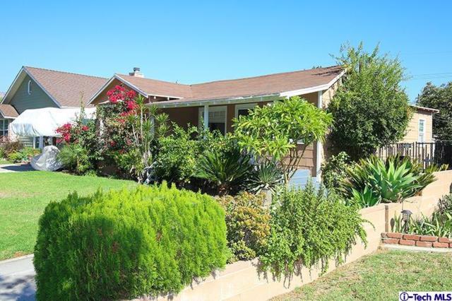 1030 N Parish Place, Burbank, CA 91506 (#318004459) :: Fred Howard Real Estate Team