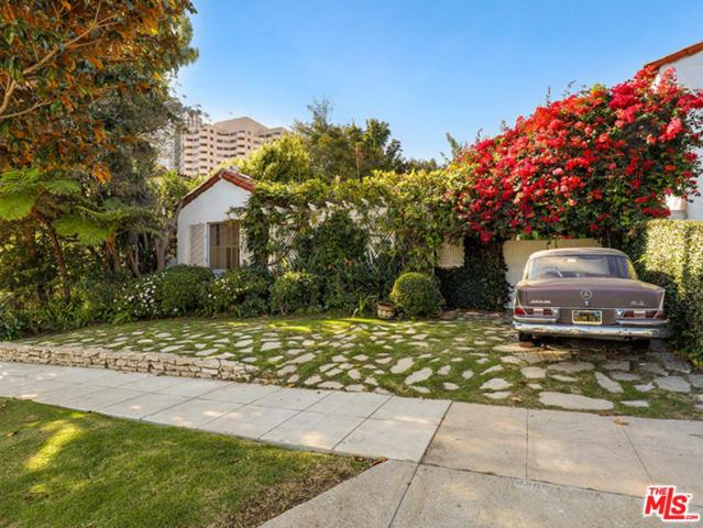 10467 Wellworth Avenue, Los Angeles (City), CA 90024 (#18406540) :: TruLine Realty
