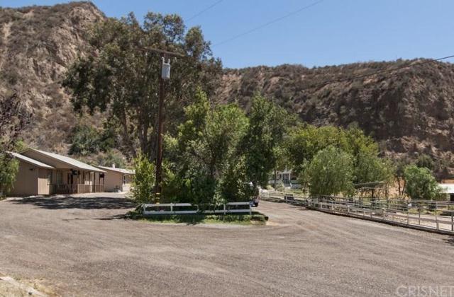 30400 San Francisquito Canyon Road, Saugus, CA 91390 (#SR18280200) :: Paris and Connor MacIvor
