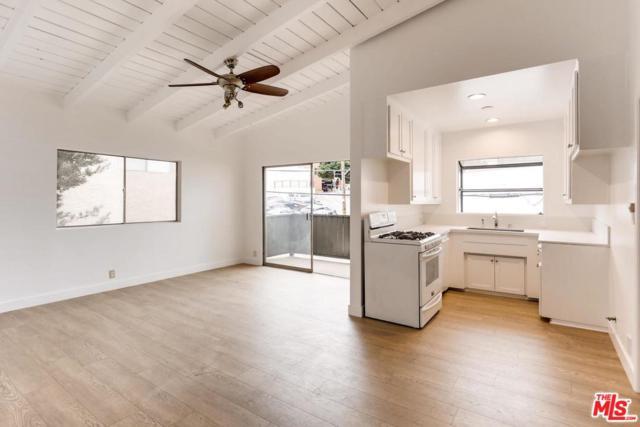 11634 Gorham Avenue #206, Los Angeles (City), CA 90049 (#18413502) :: PLG Estates